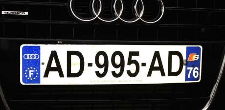 personnalisation plaque immatriculation automobile garage si ge auto. Black Bedroom Furniture Sets. Home Design Ideas