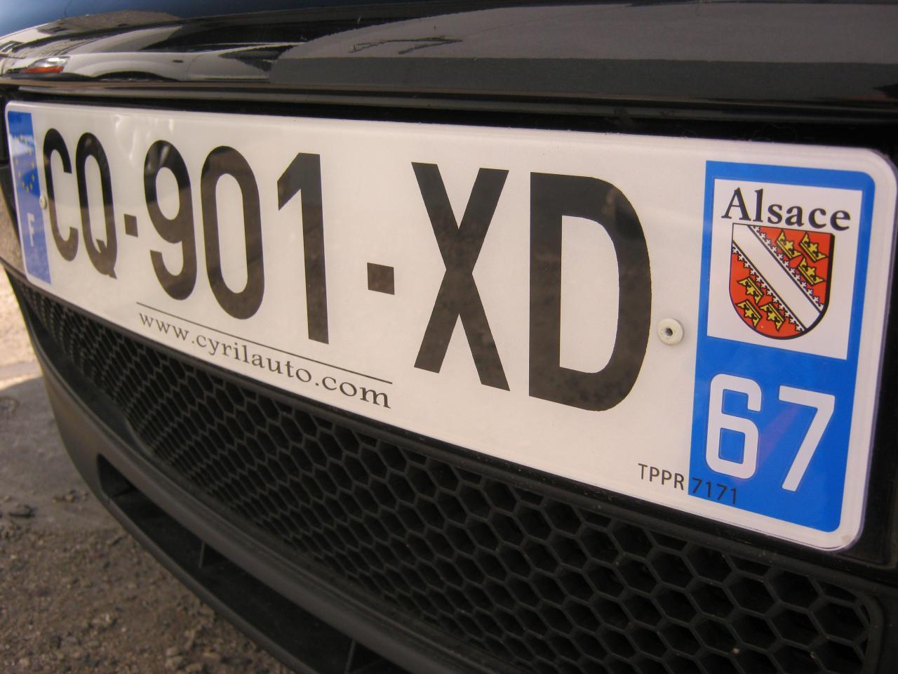 Plaque immatriculation plexiglass luxe automobile for Garage plaque d immatriculation