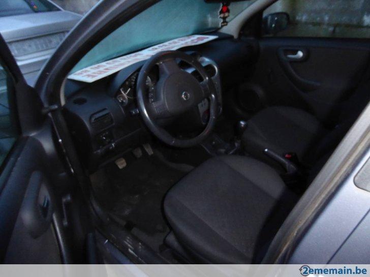 Voiture d 39 occasion e automobile garage si ge auto - Siege auto voiture 3 portes ...