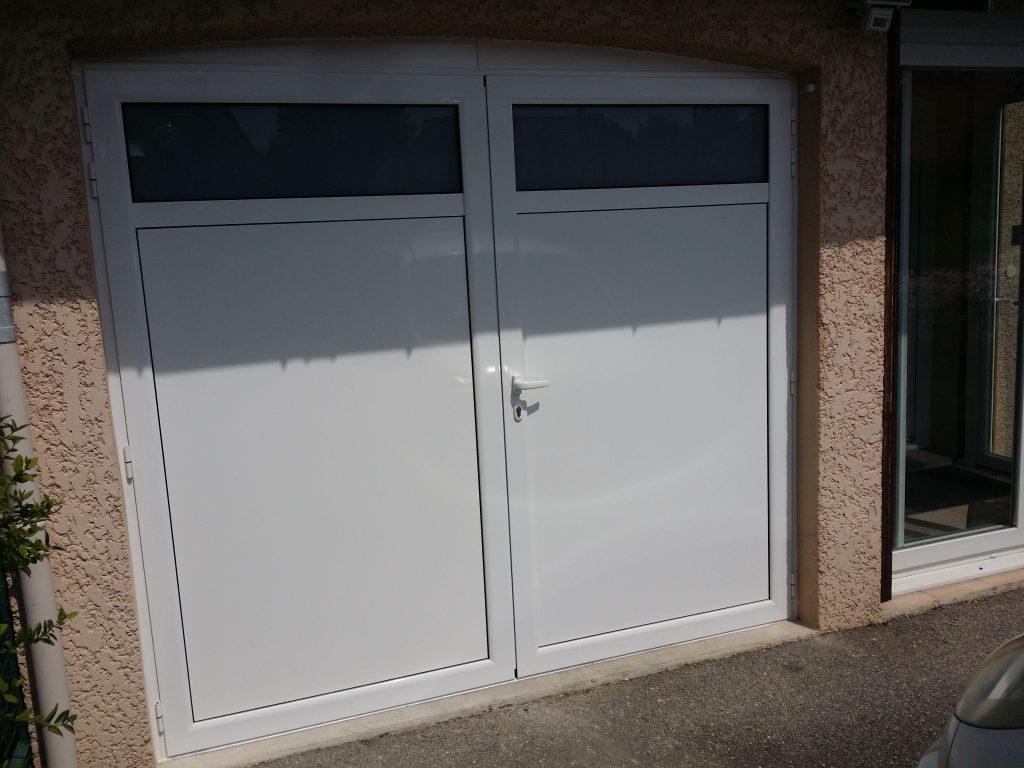 Porte De Garage Pvc 2 Vantaux Sur Mesure Automobile