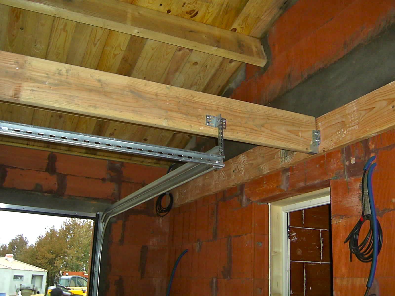 Porte de garage sectionnelle motoris e vendome automobile garage si ge auto - Plan de montage porte de garage sectionnelle ...
